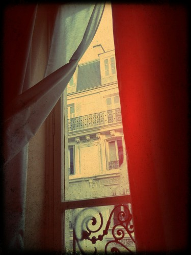 'When one door closes, a window in Paris opens' photo Rachel Bananas